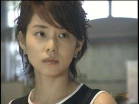 石田ゆり子、「アラフィフに見えない!」自然メイクに絶賛の嵐