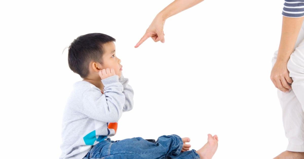 つらすぎる! 「人前で子供を叱ったとき」に周囲にされた最悪行動3選 – しらべぇ