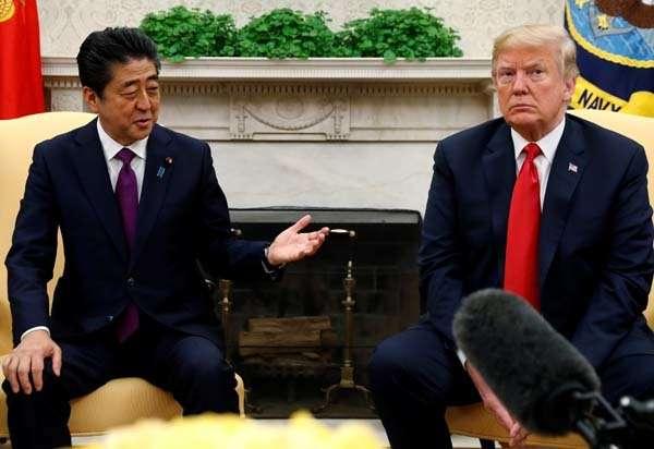 安倍晋三首相、日米首脳会談でトランプ大統領に数十億ドルの米国製品の購入を約束|ニフティニュース