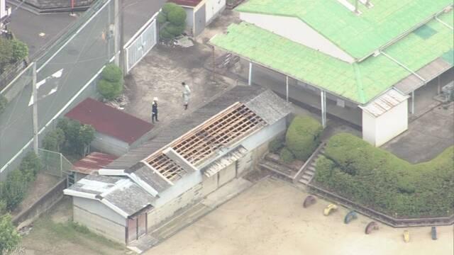 小学校で倉庫の屋根飛ばされる 大阪 高槻 | NHKニュース