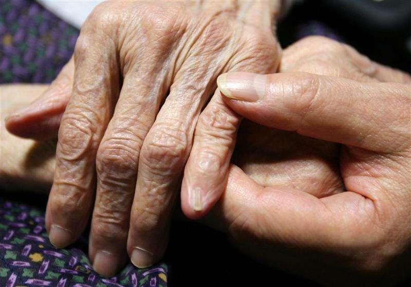 アングル:「尊厳死」法制化に揺れる日本、高齢化と財政難が拍車 | ロイター