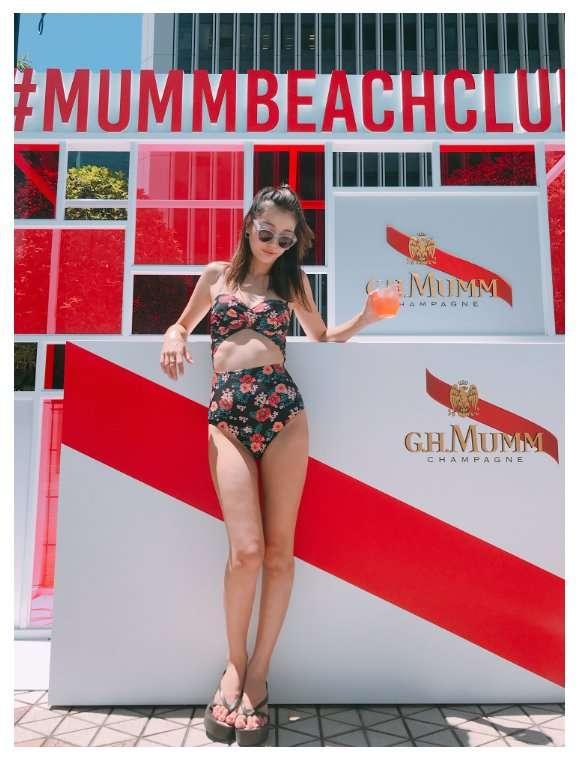木下優樹菜、大胆水着ショット公開でスラリ美脚披露 美ボディに「ママとは思えない」と絶賛
