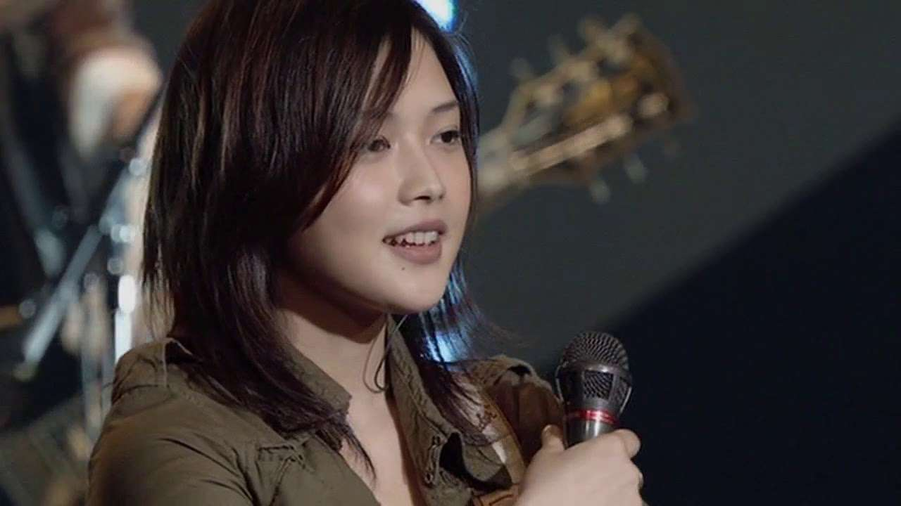 Yui Happy Birthday to you you live - YouTube