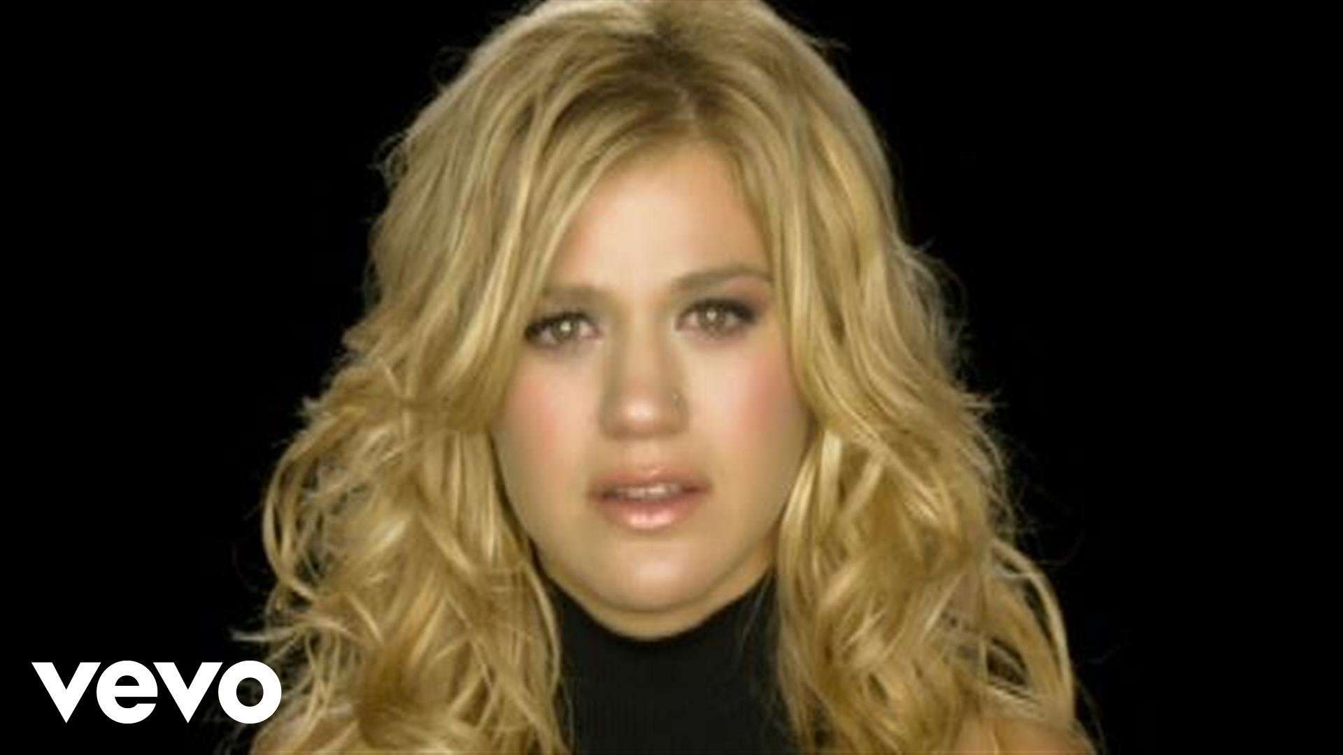 Kelly Clarkson - Because Of You (VIDEO) - YouTube