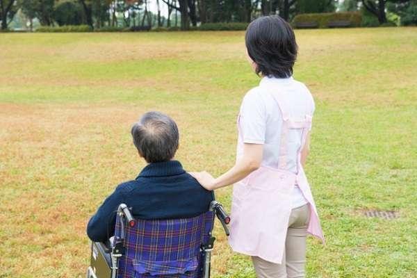 「日本より中国のほうが待遇いい」と中国の介護現場 「外国人の介護人材争奪戦」に「賃金低すぎて集まるわけない」の声