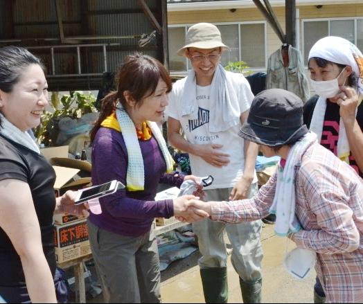 はるな愛、豪雨被災地でボランティア活動…「これは私たちの事です」