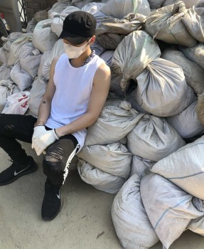 韓国人歌手のジェジュン 広島でボランティア活動「皆んなの力も是非貸して下さい!」― スポニチ Sponichi Annex 芸能