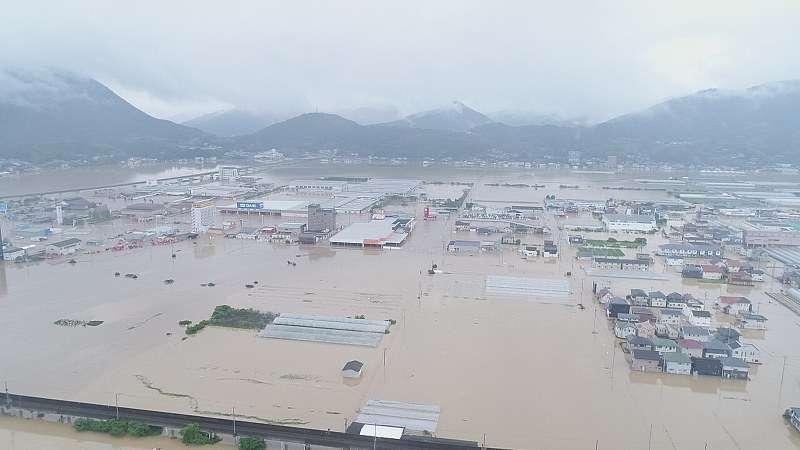 西日本豪雨:し尿処理できず「水や食事我慢」 愛媛・大洲 - 毎日新聞