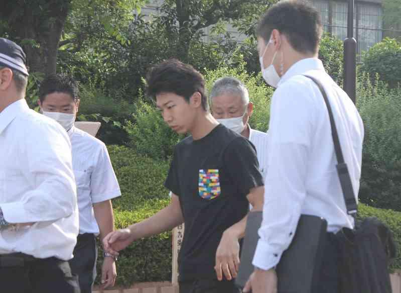 乳児暴行死:22歳父を傷害致死容疑で逮捕 大阪 - 毎日新聞