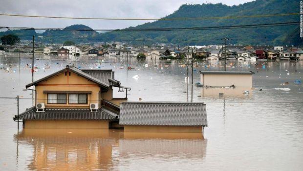 韓国人「洪水被害を受けた日本、普段目にすることのできない光景広がる」 : カイカイ反応通信