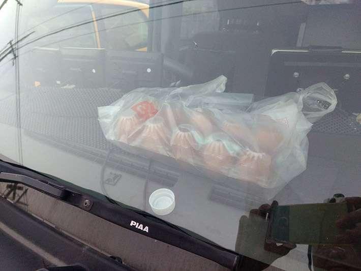 多くの親に見てほしい 炎天下、車内に卵を放置した結果にゾッとする