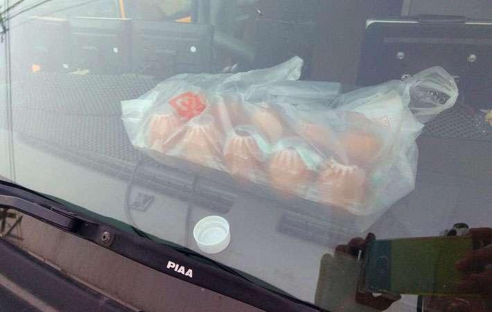 多くの親に見てほしい 炎天下、車内に卵を放置した結果にゾッとする  –  grape [グレイプ]