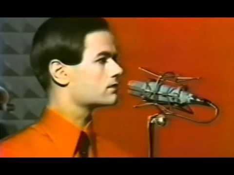 Kraftwerk - The Robots HQ Audio - YouTube