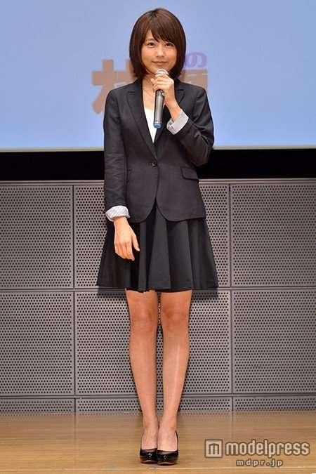 有村架純、CMでキャリアウーマンに 黒スーツ着こなし「新鮮」