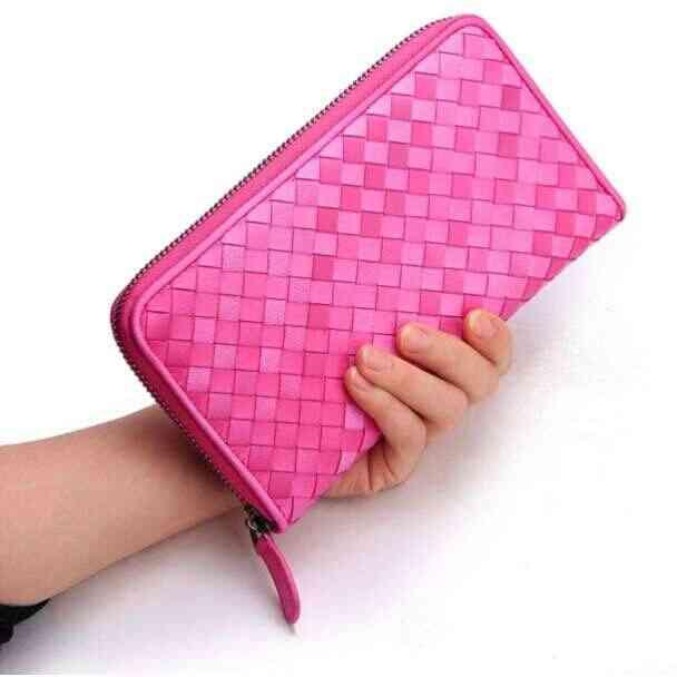 お財布の中にいつもいくら程入れてますか?
