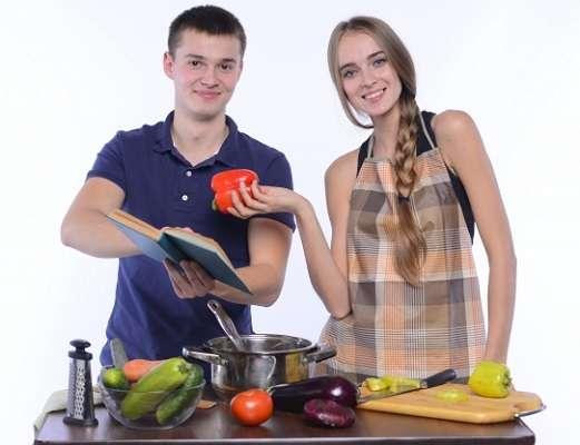 既婚男性の家事・育児意識、30年で様変わり「夫も家事分担すべき」8割 4人に1人「仕事減らして家事・育児したい」 | キャリコネニュース