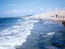 海開き前の海水浴場、中1男女溺れ男子生徒死亡