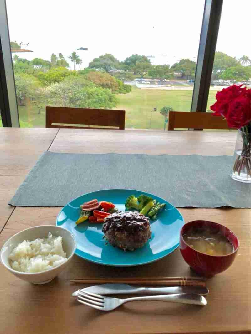 """神田うの、ハワイでの""""親子コーデ""""や自炊ご飯を公開「とっても成長したと思います」"""