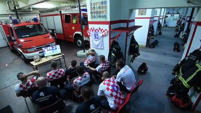 Croatian firefighters before Rakitic penalty shooting against Russia. - GIF on Imgur