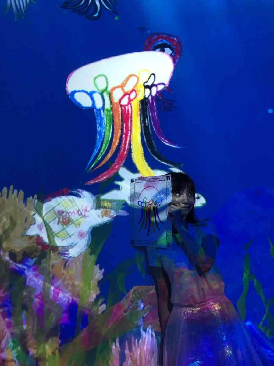 島崎遥香、関ジャニ∞ファンに向けたメッセージが話題「7色で描いてくれてありがとう」
