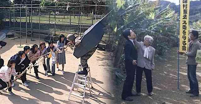 沖縄の保育園で撮影された「竹箒で米兵に立ち向かう」写真は、写真家の石川真生氏の作品だった → 園長「『教育』として行っているわけではない」