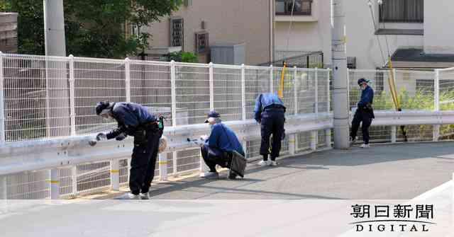 新聞配達中の女性刺される 男逃走、殺人未遂事件で捜査:朝日新聞デジタル
