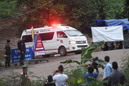 タイ洞窟から6人を救出か 少年ら13人不明から16日目 - ライブドアニュース
