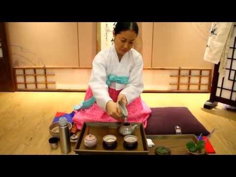 【吹いたら負け】 これが韓国の茶道だ! - YouTube