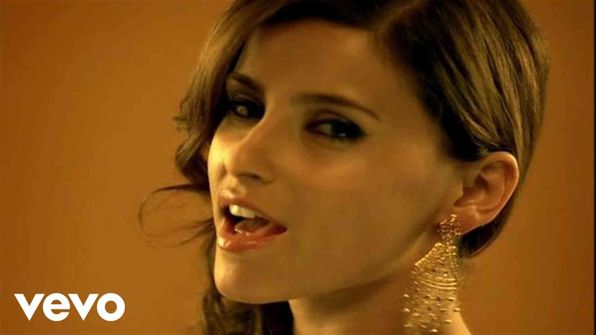 Nelly Furtado - Promiscuous ft. Timbaland - YouTube