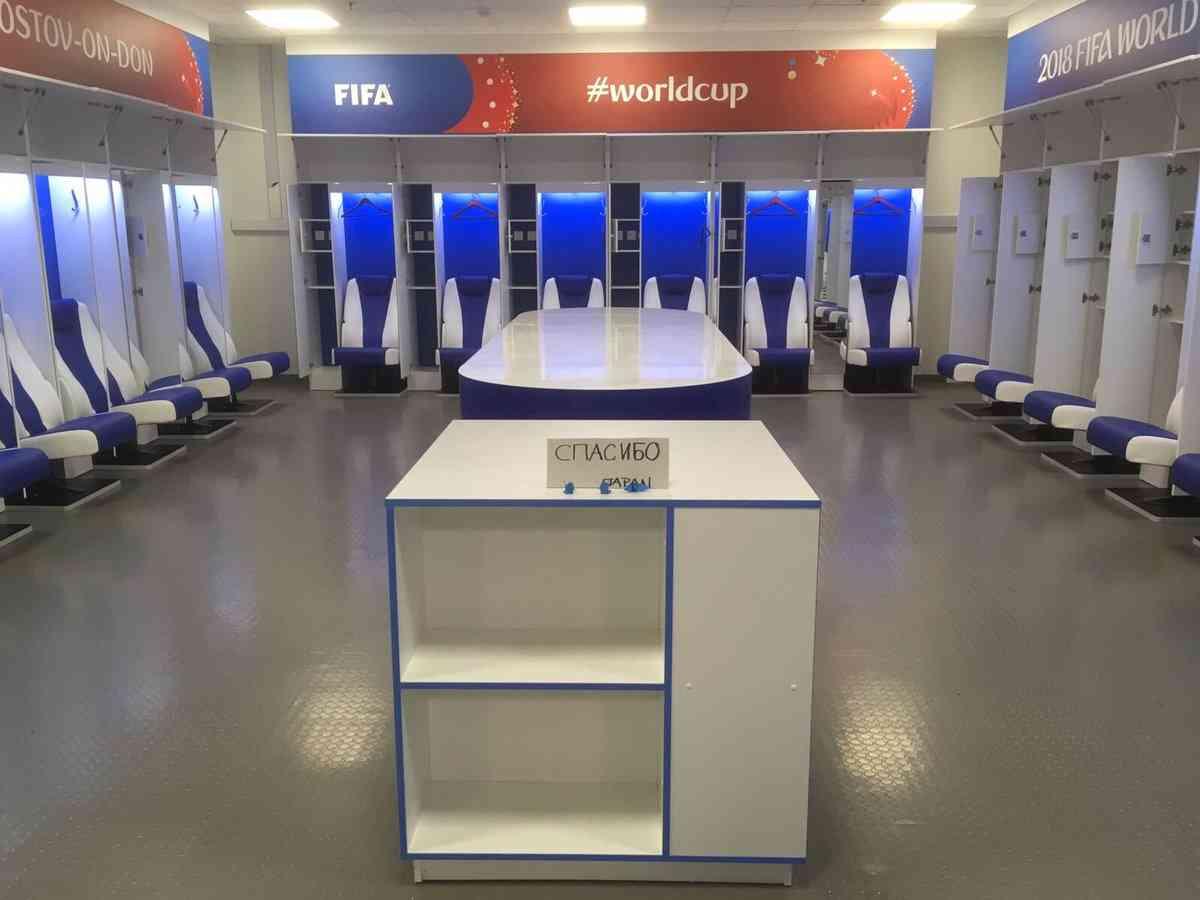 【W杯の裏側】日本代表チーム敗北後のロッカールームが凄い!FIFAの運営スタッフがツイート → 世界中で絶賛の嵐「我々は本当の勝者を発見した」