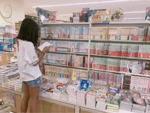 辻希美、「マナー違反でしょ!」書店内で撮影してブログ公開に批判殺到(1ページ目) - デイリーニュースオンライン
