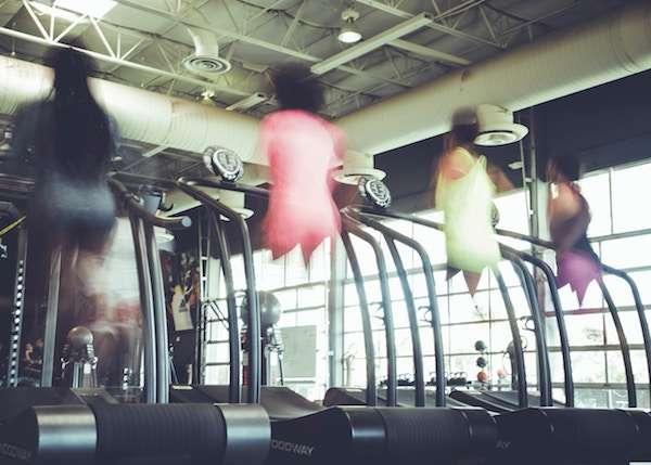 筋トレ後の有酸素運動で体脂肪を効率よく燃やす!筋肉は減らないの?プロテインは? - 明日から君もマッチョだよ