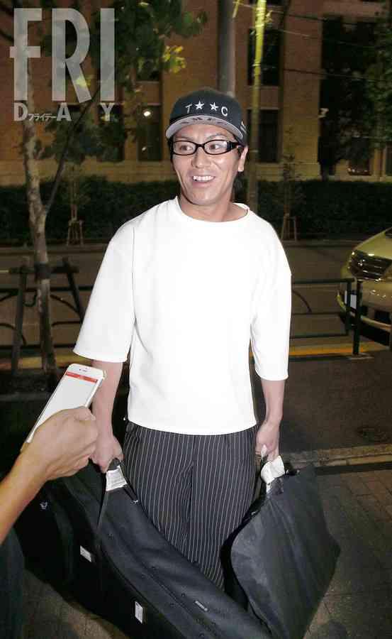 狩野英孝がフライデーに交際宣言 「ようやく彼女ができました」