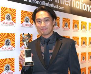 渡辺謙の長男、渡辺大が海外映画祭で主演男優賞を受賞 妹の杏も祝福