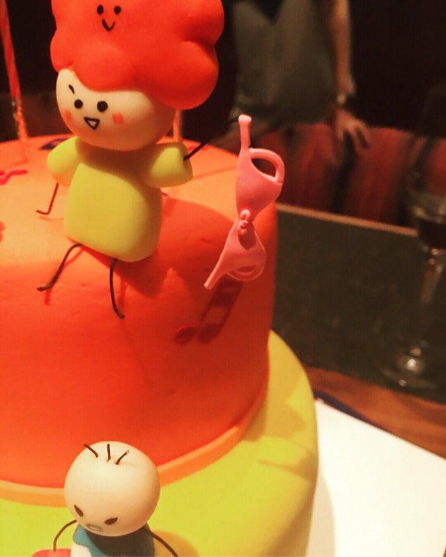 """25歳を迎えた""""のん"""" 特注ケーキ&「この世界の片隅に」スタッフから愛情マシマシの祝福を受ける"""