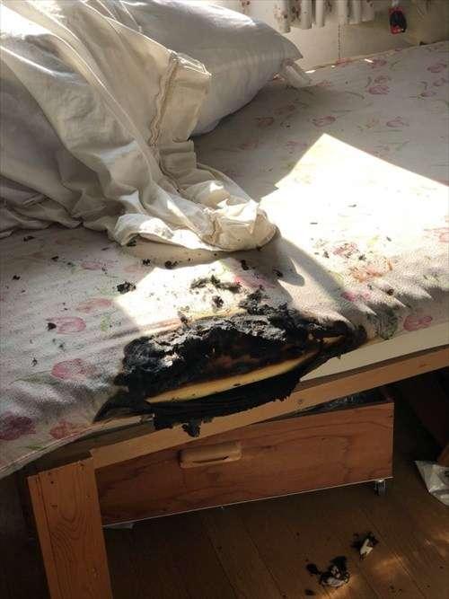 『なんか焦げ臭いと思ったら、布団が燃えてた』 衝撃的な写真とエピソードが話題に