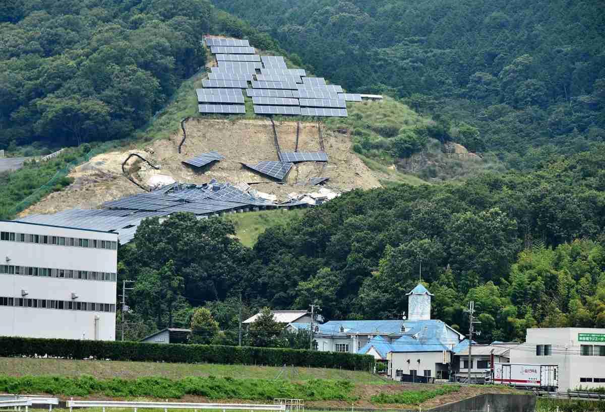 西日本豪雨で太陽光パネル3600平方メートル崩落 兵庫・姫路(神戸新聞NEXT) - Yahoo!ニュース