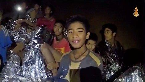 タイ洞窟内の少年救出作戦開始 作戦成功祈る一方、早くも洞窟観光地化や映画化も | ワールド | 最新記事 | ニューズウィーク日本版 オフィシャルサイト