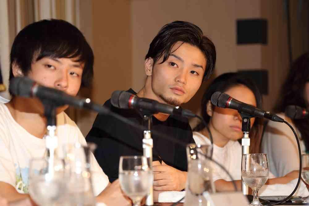 NEWS・加藤シゲアキが「SEALDs」へ「賛同」表明 アイドルの「政治的発言」にファンの反応は... : J-CASTニュース