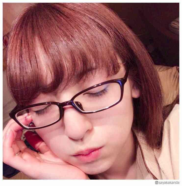 """神田沙也加、ガチメガネの""""すっぴん""""ショットに反響「肌綺麗」「美しい」と絶賛の声"""