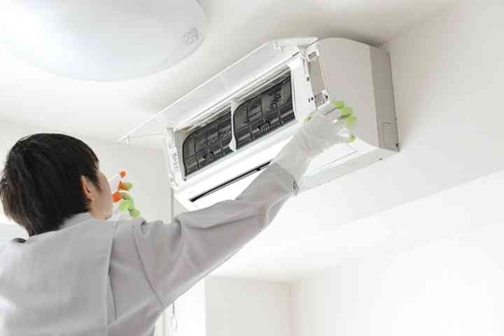 エアコン清掃を業者に依頼したことがあるお方!