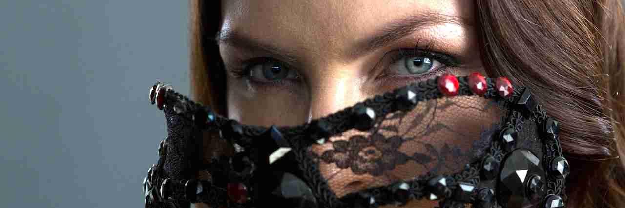 つり目さん必見!つり目に似合うアイメイクをご紹介 | C CHANNEL - 女子向け動画マガジン