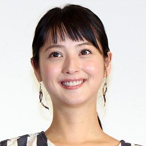 佐々木希、「妊娠して顔が変わった!」自撮り写真の顔つきに話題騒然