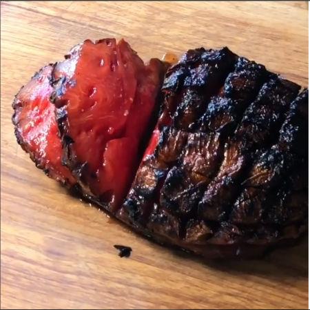 お肉に見えるけど実はスイカ スイカをくん製にした料理がニューヨークで誕生