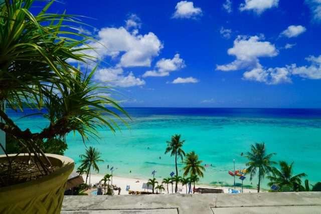 海外旅行、どこで申し込みしますか?