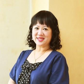 新潮社出版部部長・コメンテーター・中瀬ゆかりさん(53歳)の30代は「恋に落ちて、編集長になって、子供を産まないと決めた」 | Oggi.jp