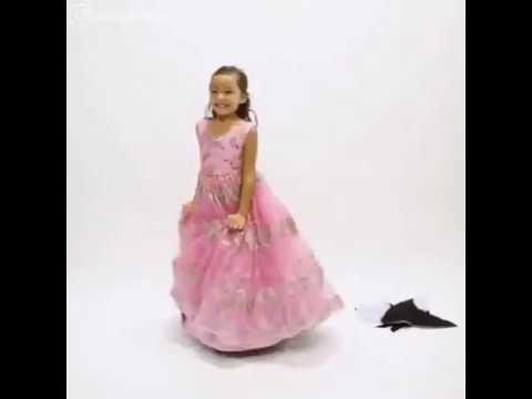 【Twitterまとめ】一瞬でドレスのお着換え - YouTube