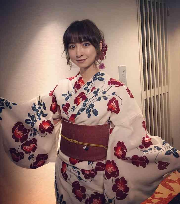 浴衣姿&髪色変えた篠田麻里子に「かわいい」「こんな彼女なら他に何も望まない」の声相次ぐ