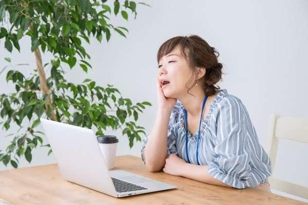 サマータイム廃止した奈良県庁、導入時の庁内で起きていたこと「生活リズム崩れて体調不良と眠気」「早く来ても早くは帰れない」   キャリコネニュース