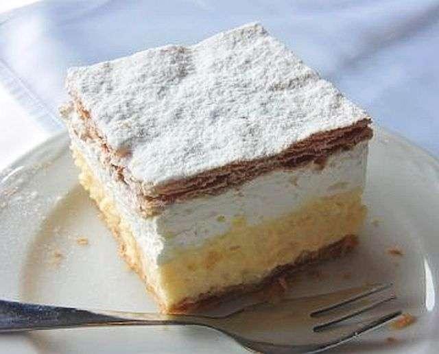 【ブレッド湖定番スイーツ】必ず食べたいクリームケーキblejska kremna rezina